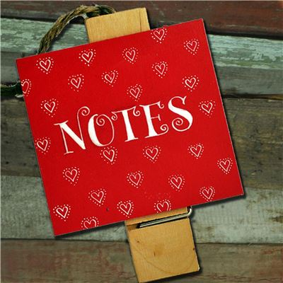 Hand Painted Wooden Peg: Jolly Red Heart Notes
