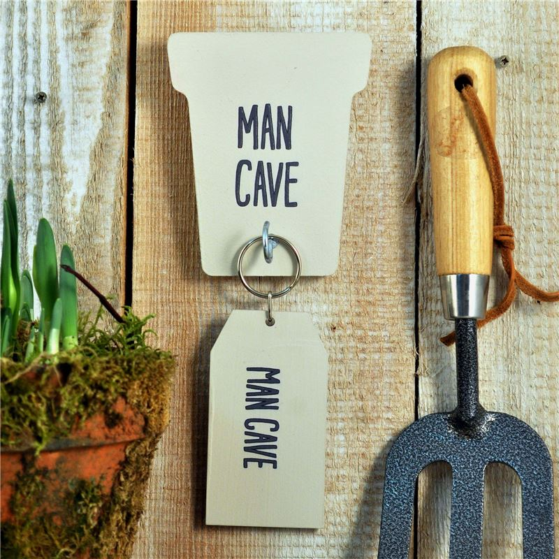 Man Cave Keyring : Gift pack 'man cave' key rack and ring enter option