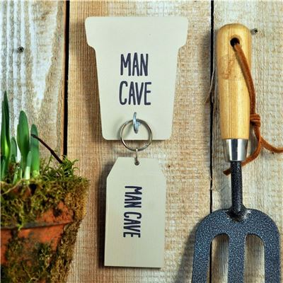'Man Cave' Key rack and key ring