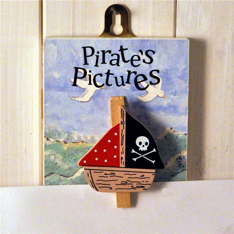 Order Hand painted wooden peg:  Pirate's Pictures